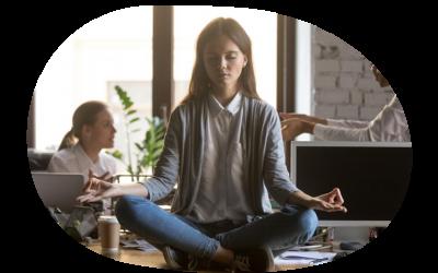 Crece la tendencia a meditar en el lugar de trabajo. Conoce Mindfulness
